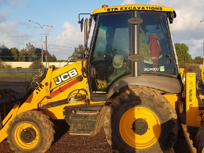 Used Backhoes, Telehandlers, Excavators, Mini Excavators
